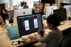 如何入门用户体验设计师?上学OR工作